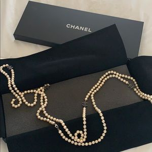 Authentic vintage Chanel pearl necklace.